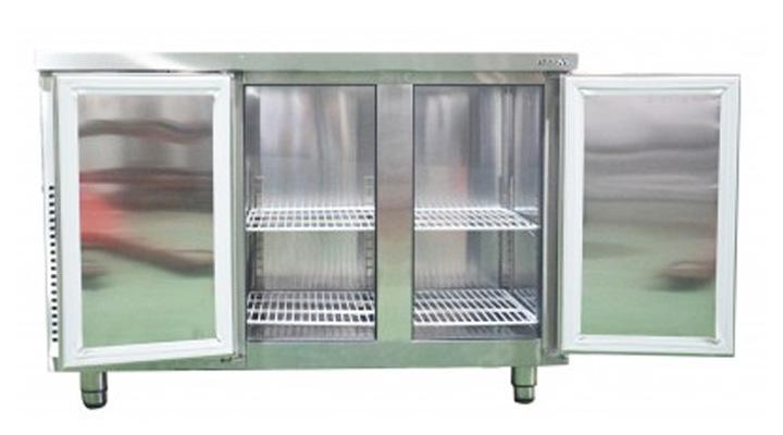 Khoang lạnh rộng rãi cùng hệ thống làm lạnh hiện đại