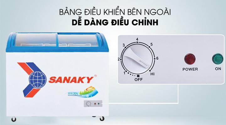 Bảng điều khiển đơn giản của tủ đông Sanaky VH-6899K dễ sử dụng