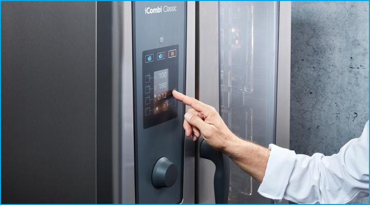 Hệ thống điều khiển của lò Combi ICC bằng màn hình điện từ kết hợp với núm vặn