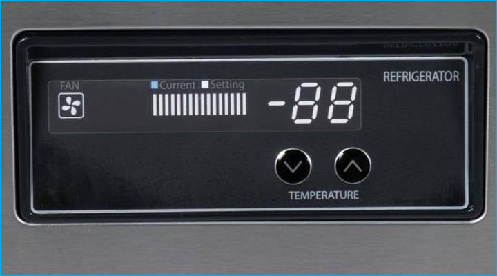 Bộ điều khiển điện tử của bàn mát salad Turbo Air
