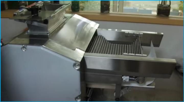 Cấu tạo băng tải của máy se bột Jendah gọn gàng và được làm bằng thép không gỉ bền chắc, an toàn