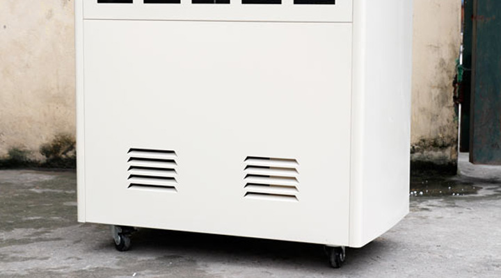 Bánh xe di chuyển linh hoạt và dễ dàng của máy hút ẩm Fujie HM-2408DS