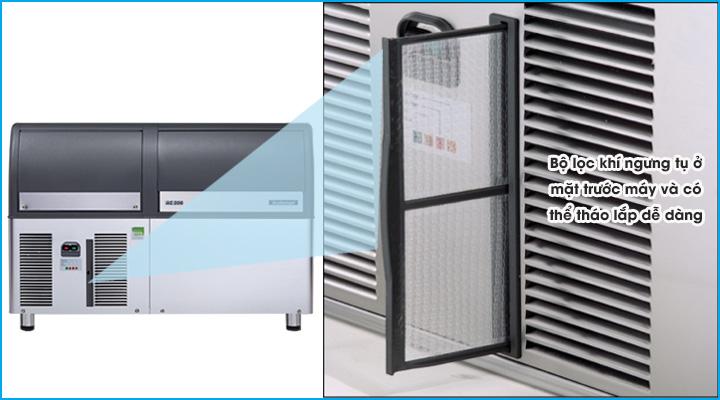 Bộ lọc khí ngưng tụ được thiết kế ở mặt trước máy và có thể tháo lắp được để vệ sinh dễ dàng
