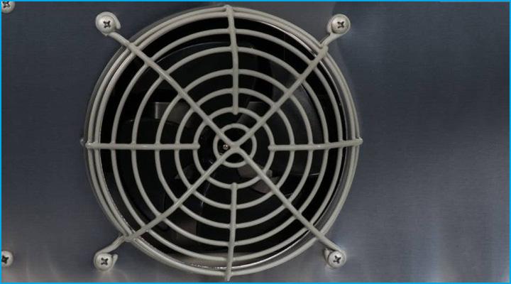 Bộ phận quạt gió của bàn mát KU12-2 phân bổ nhiệt đều