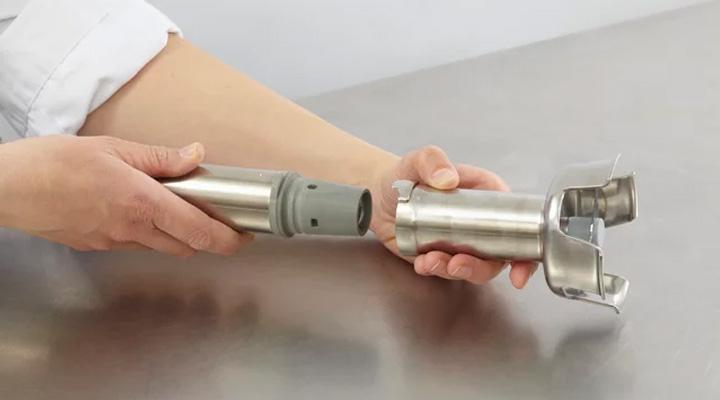Máy trộn thực phẩm Robot Coupe MP 450 ULTRA được thiết kế có thể tháo lắp dễ dàng để vệ sinh