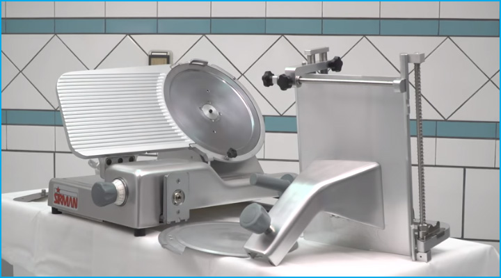 Các bộ phận của máy cắt thịt Sirman Palladio 300 Aut có thể tháo rời dễ dàng