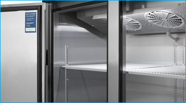 Kệ chứa bên trong tủ đông KF45-2 có thể tháo lắp dễ dàng