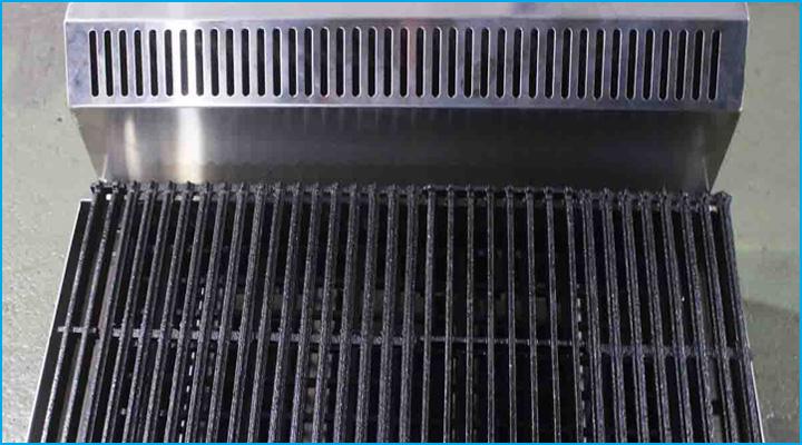 Hệ thống tản nhiệt của bếp nướng Berjaya CRB2B-17  được đặt ở phía sau bếp