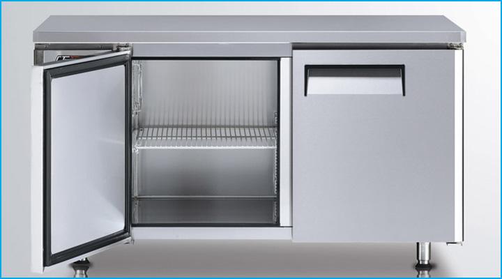 Bàn đông KUF15-2 có lòng trong tủ rộng rãi kết hợp với kệ chứa bên trong