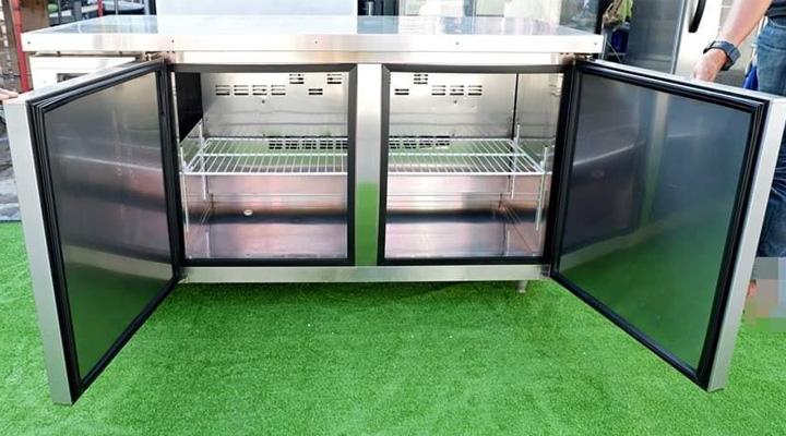 Khoang tủ rộng rãi và hệ thống làm lạnh hiện đại