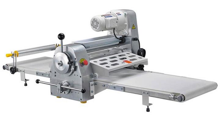 Mẫu máy cán bột để bàn Torng Yuen 520A