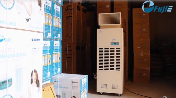 Mẫu máy hút ẩm Fujie HM-2408DS 240 lít