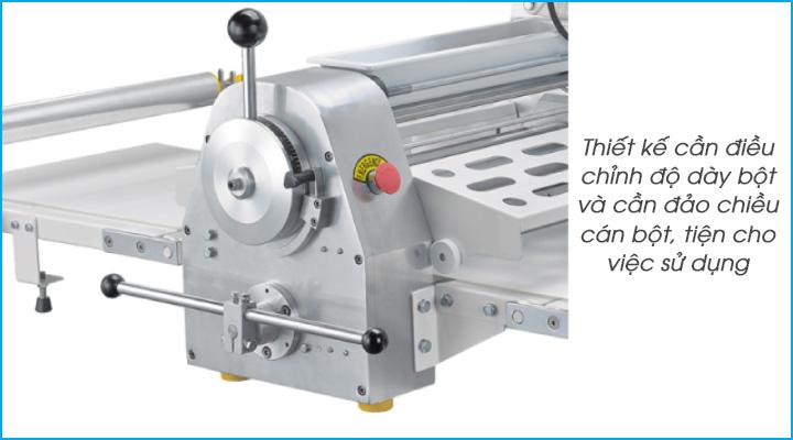 Thiết kế cần gạt chuyển hướng và cần điều chỉnh độ dày của bột của máy 520A  dễ sử dụng