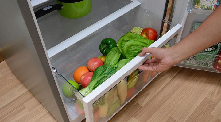 Ngăn chứa rau củ quả rộng rãi và cung cấp ẩm