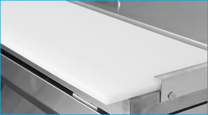 Bàn mát KHR15-2 có nửa mặt thớt tiện cho việc sơ chế thực phẩm để chế biến món ăn
