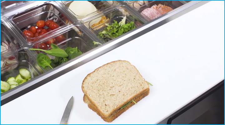 Nửa bàn thớt tiện cho việc sơ chế thực phẩm
