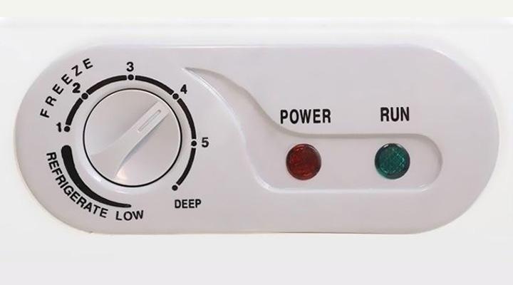 Nút vặn điều chỉnh nhiệt đơn giản, dễ sử dụng