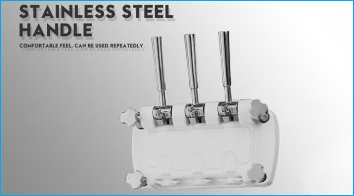 Máy làm kem D840A có thiết kế 3 vòi lấy kem với tay cầm bằng thép không gỉ chắc chắn và dễ sử dụng