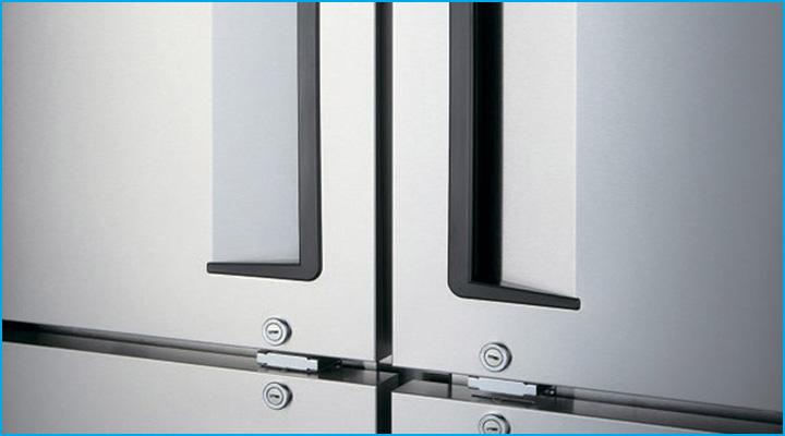 Tay cầm dạng lõm của tủ đông KF65-3 dễ cầm nắm