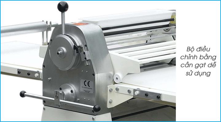 Máy cán bột Jendah RFS-450B có bộ điều khiển bằng cần gạt đơn giản, dễ sử dụng