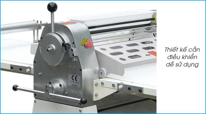 Máy cán bột Torng Yuen có thiết kế bộ điều chỉnh độ dày của bột và hướng cán bột