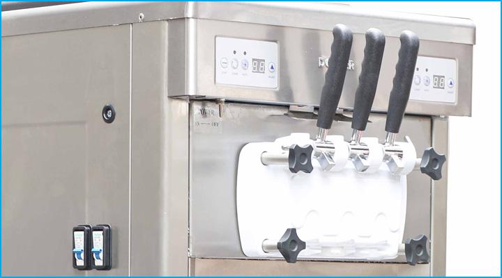 Máy làm kem BJ7260P có 3 vòi lấy kem với tay cầm được thiết kế chắc chắn, bền bỉ