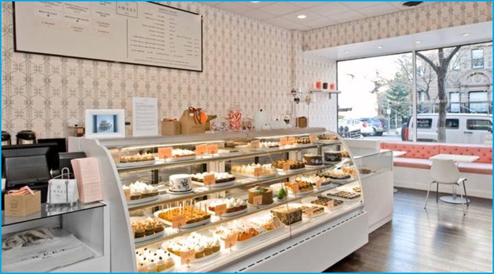 Tủ bánh kem là bộ mặt của tiệm bánh