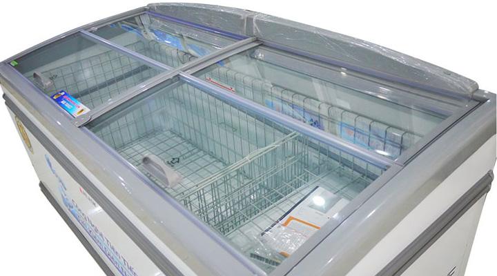 Bên trong Tủ đông trưng bày mặt kính Alaka KN-450 450 lít