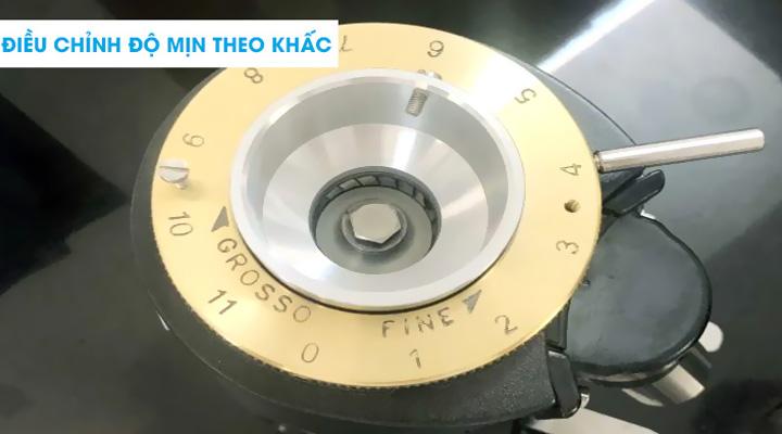 Điều chỉnh độ mịn Máy xay cà phê Fiorenzato F4 Eco