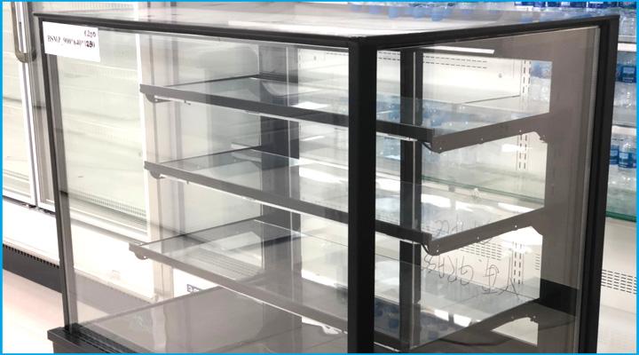 Kệ để đồ tủ bánh kem kính vuông OPO 0.9m