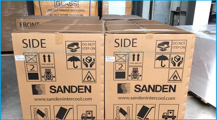 Kiện hàng Tủ đông kính cong Sanden Intercool SNC-0435
