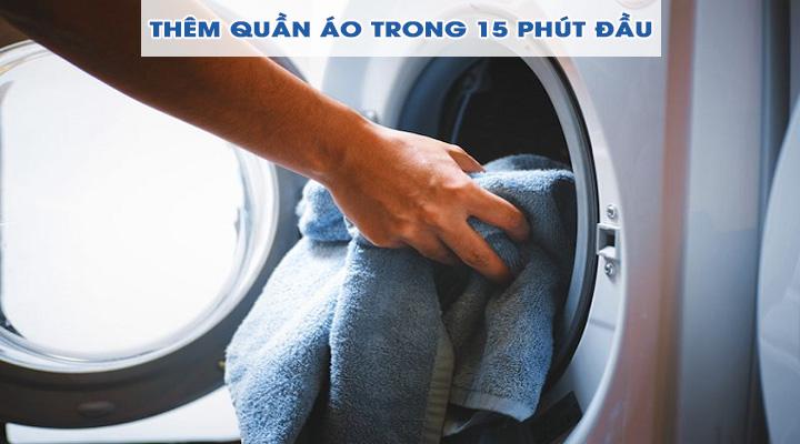 Thềm quần áo Máy giặt Electrolux Inverter EWF9025BQSA 9 kg