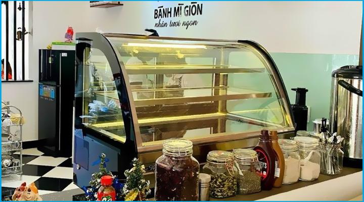 Tủ bánh kem để bàn kính cong Snow Village